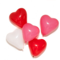 http://www.candleandcake.co.uk/small-heart-balloon-set.html